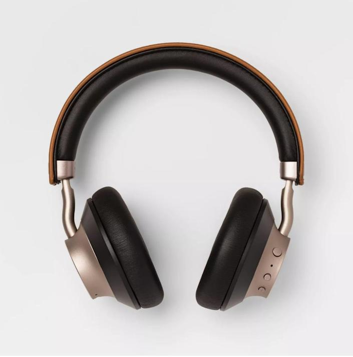 <p>Give them the sound they want this holiday season with these modern <span>Heyday Wireless On-Ear Headphones</span> ($60).</p>