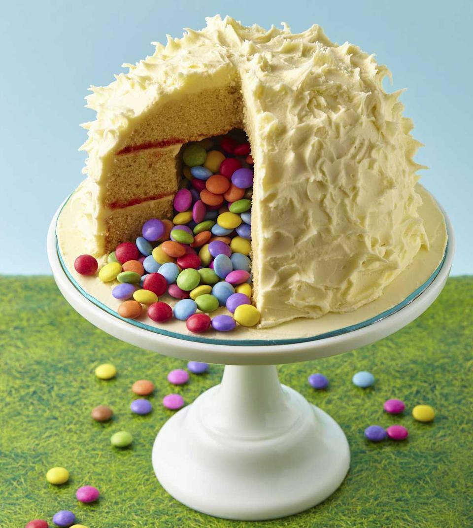 The Yeti Surprise Cake, featured in the Candy Crush Cakes & Bakes Recipe Book. (Photo: Candy Crush)