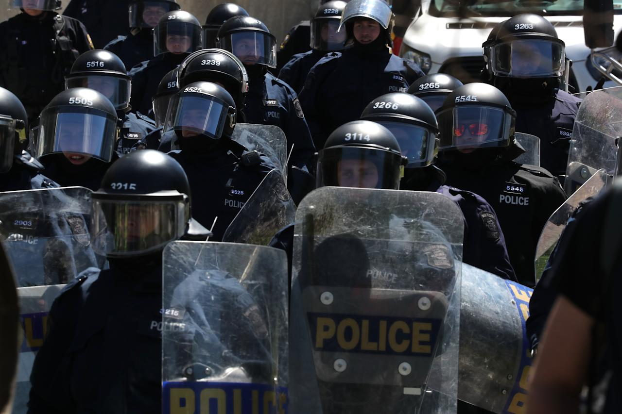<p>Riot police get ready to move-in on protesters during the G7 Summit in Quebec City, Quebec, Canada, June 8, 2018. (Photo: Jonathan Ernst/Reuters) </p>