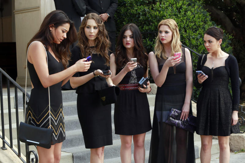 """""""Pretty Little Liars"""" -- """"A is for A-L-I-V-E"""" Shay Mitchell, Troian Bellisario, Lucy Hale, Ashley Benson, Janel Parrish"""