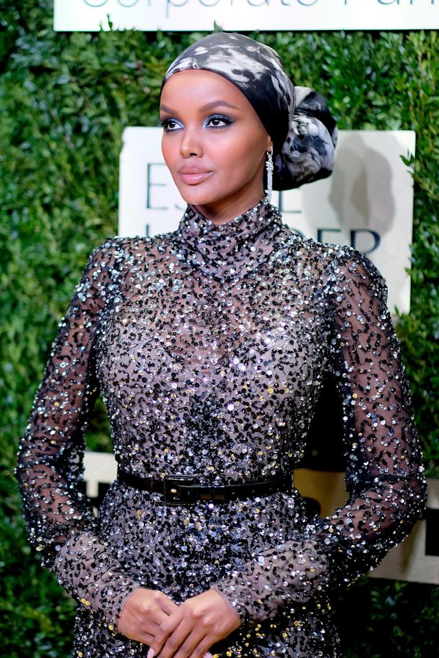 Halima Aden asistió al Lincoln Center Corporate Fashion Gala. Foto: Dimitrios Kambouris/Getty Images for Lincoln Center.