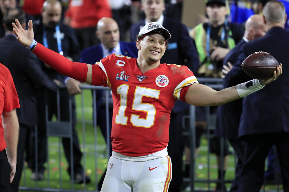 MIAMI, FLORIDA - FEBRUARY 02: Patrick Mahomes #15 of the Kansas City Chiefs celebrates after defeating the San Francisco 49ers 31-20 in Super Bowl LIV at Hard Rock Stadium on February 02, 2020 in Miami, Florida. (Photo by Andy Lyons/Getty Images)