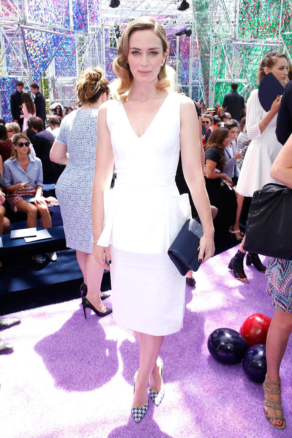 <p>The British actress arrived to the Christian Dior Haute Couture show in Paris looking effortlessly chic in a simple white dress from the brand. <br><br></p>