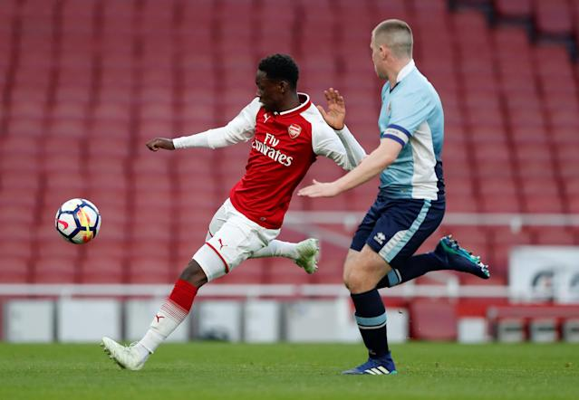 Soccer Football - FA Youth Cup Semi Final Second Leg - Arsenal vs Blackpool - Emirates Stadium, London, Britain - April 16, 2018 Arsenal's Fol Bullard in action with Blackpool's Ben Jacobson Action Images/Matthew Childs