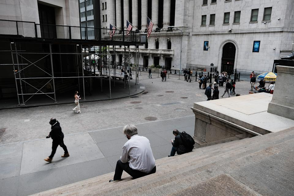 <p>Global stocks fell as concerns mount that rising inflation will prompt central banks to tighten monetary policy </p> (Getty Images)