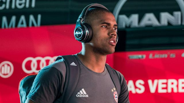 Brazil will be without Douglas Costa for the World Cup qualifier against Uruguay after the Bayern Munich player suffered a knee injury.