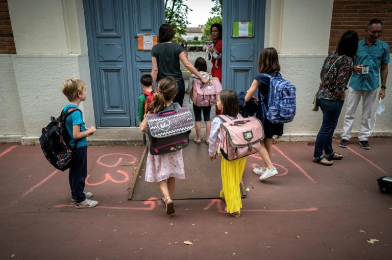 European children back to school amidst virus fears