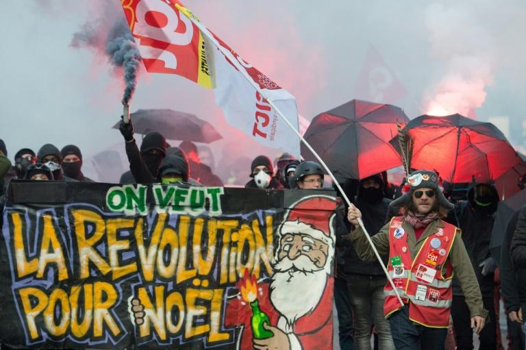 The unions have sounded an uncompromising note, warning the strikes will continue unless the government changes course (AFP Photo/LOIC VENANCE)