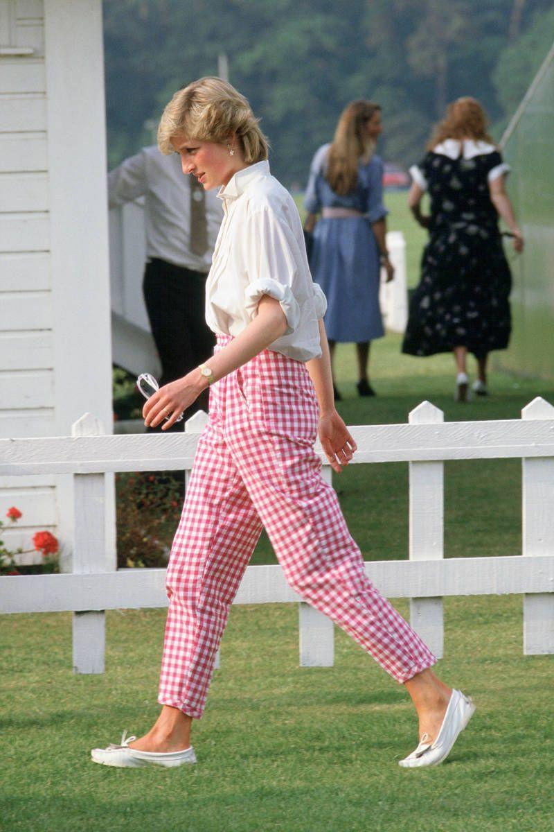 <p>Summery fancy pants for a polo match. Is there anything more appropriate?</p>