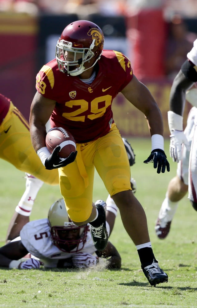 Southern California running back Ty Isaac runs during the second half of an NCAA college football game against Boston College in Los Angeles, Saturday, Sept. 14, 2013. USC won 35-7. (AP Photo/Chris Carlson)
