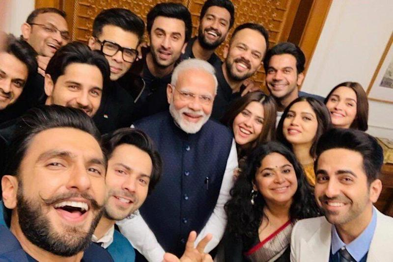Bollywood stars hanging out with Modi (Photo: HuffPost India)