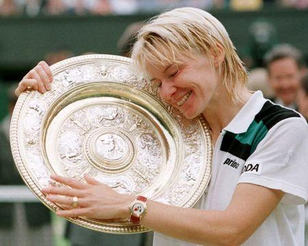 Tennis champion Jana Novotna dies at 49