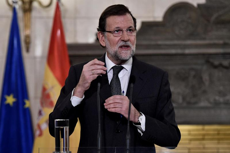 Spanish Prime Minister Mariano Rajoy speaks in Athens on January 14, 2015 (AFP Photo/Aris Messinis)