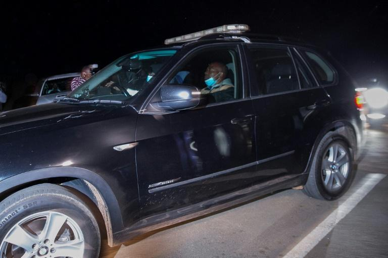 A convoy left Zuma's home shortly before a midnight deadline for his arrest