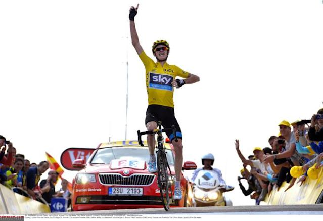 Chris Froome wins atop Mont Ventoux in the yellow jersey
