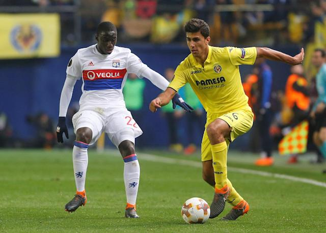 Soccer Football - Europa League Round of 32 Second Leg - Villarreal vs Olympique Lyonnais - Estadio de la Ceramica, Villarreal, Spain - February 22, 2018 Lyon's Ferland Mendy in action with Villarreal's Rodri REUTERS/Heino Kalis