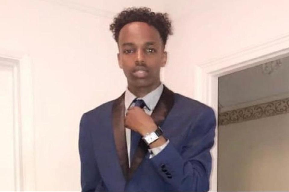 Sharmake Mohamud was found suffering gun shot wounds by a bus stop in Green Lanes  (Met Police)