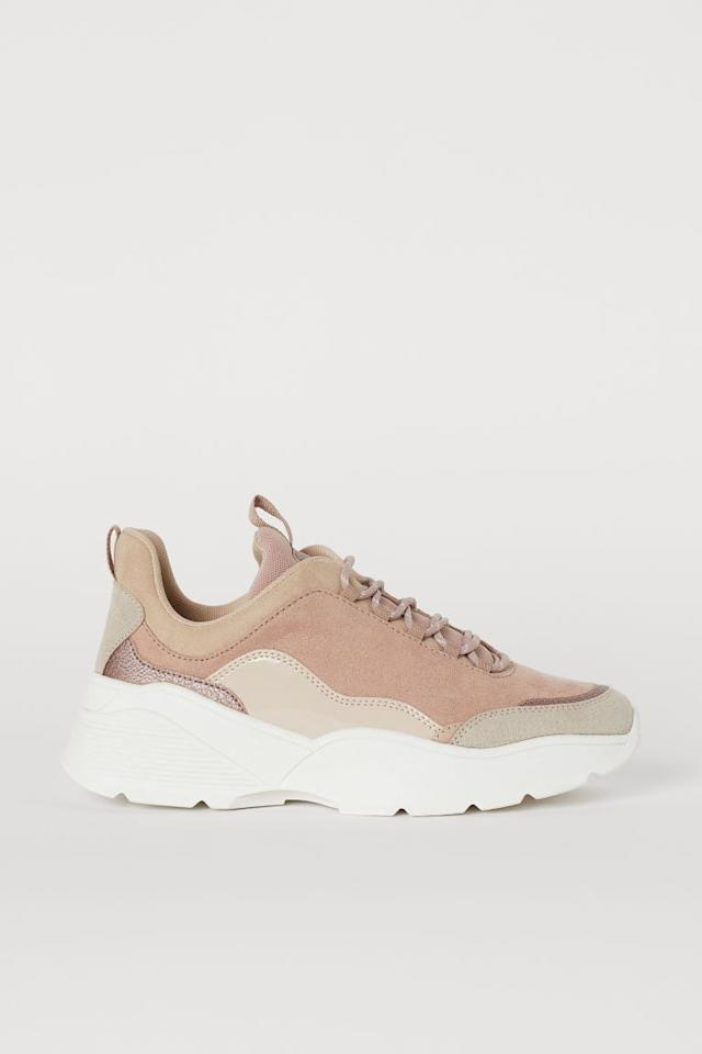 """<p>How cool are these <a href=""""https://www.popsugar.com/buy/HampM-Sneakers-494977?p_name=H%26amp%3BM%20Sneakers&retailer=www2.hm.com&pid=494977&price=40&evar1=fab%3Aus&evar9=46084750&evar98=https%3A%2F%2Fwww.popsugar.com%2Fphoto-gallery%2F46084750%2Fimage%2F46684661%2FHM-Sneakers&list1=fall%20fashion%2Cshoes%2Cfall%2Cspring%2Csummer%2Cshoppping%2Cspring%20fashion%2Csummer%20fashion%2Caffordable%20shopping&prop13=api&pdata=1"""" rel=""""nofollow"""" data-shoppable-link=""""1"""" target=""""_blank"""" class=""""ga-track"""" data-ga-category=""""Related"""" data-ga-label=""""https://www2.hm.com/en_us/productpage.0704630005.html"""" data-ga-action=""""In-Line Links"""">H&amp;M Sneakers</a> ($40)?</p>"""