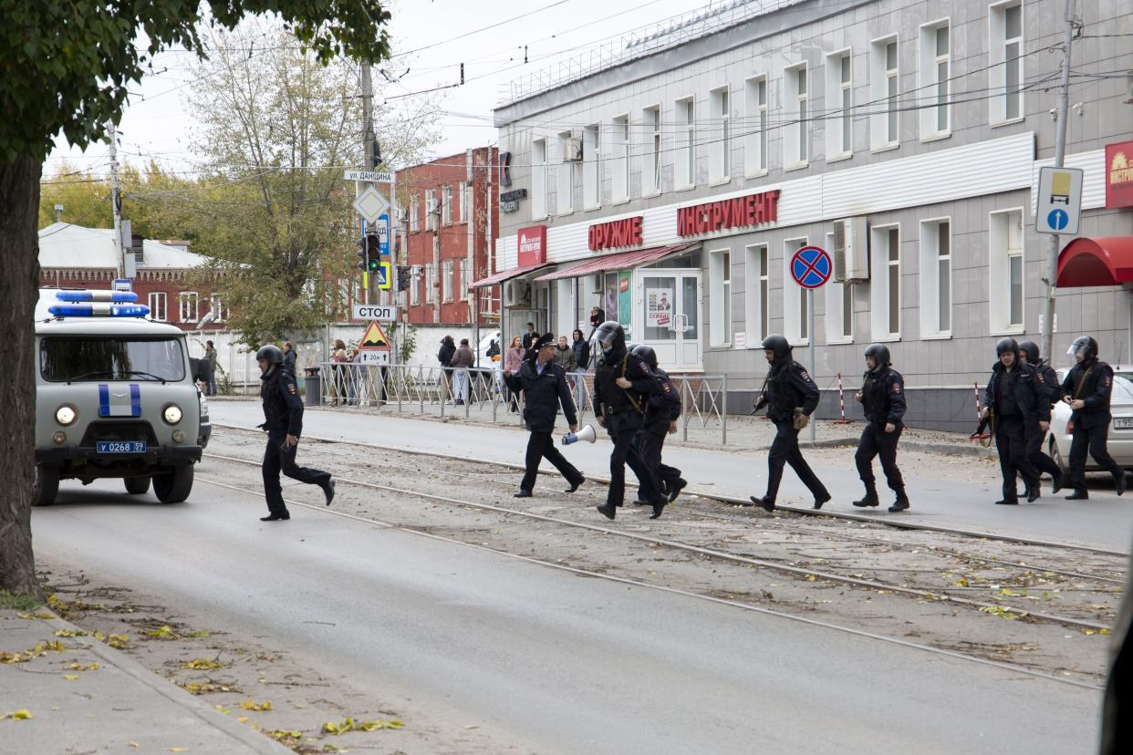 A gunman opened fire in a university in the Russian city of Perm on Monday morning, leaving around eight people dead and others wounded, according to Russia's Investigative Committee.