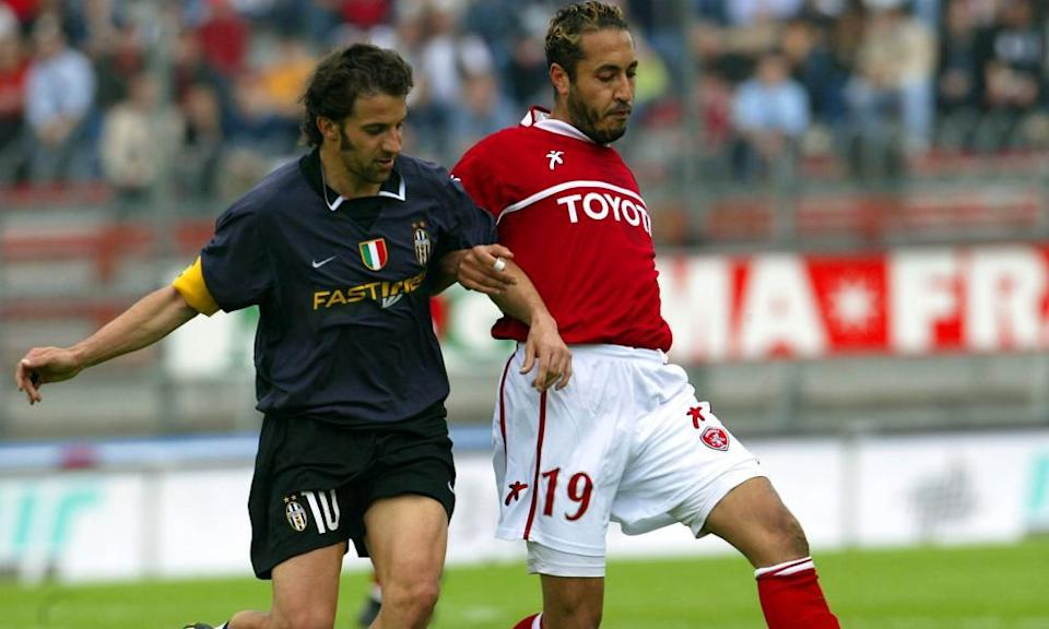 Al-Saadi Gaddafi takes on Alessandro Del Piero during Perugia's 1-0 win over Juventus.