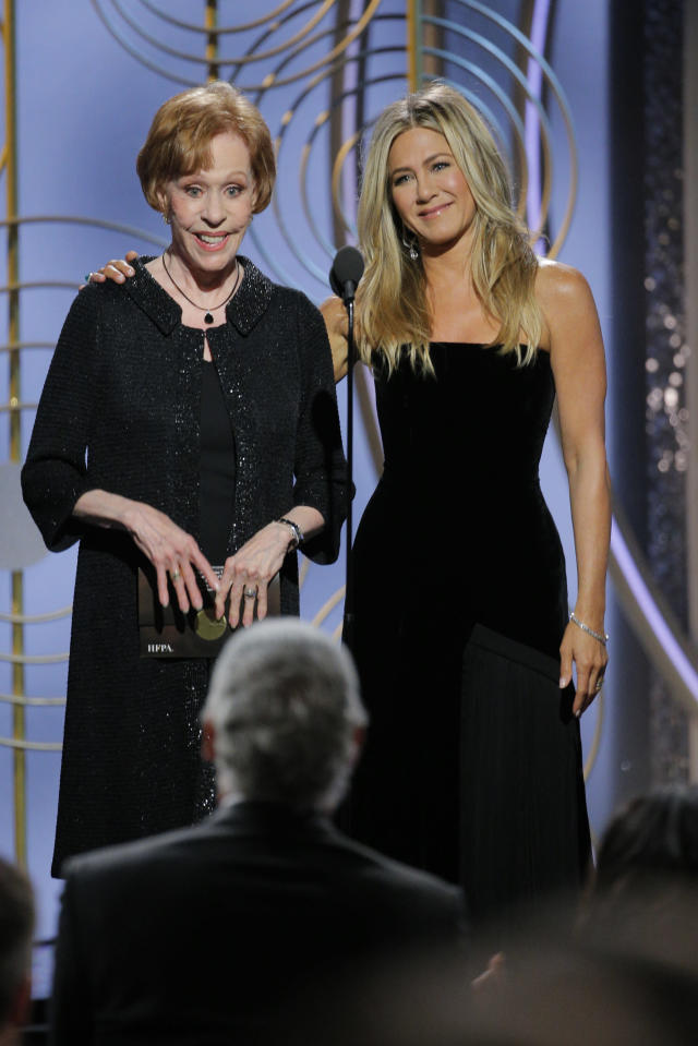 Presenters Carol Burnett and Jennifer Aniston onstage during the Golden Globe Awards in January 2018. (Photo:  Paul Drinkwater/NBCUniversal via Getty Images)