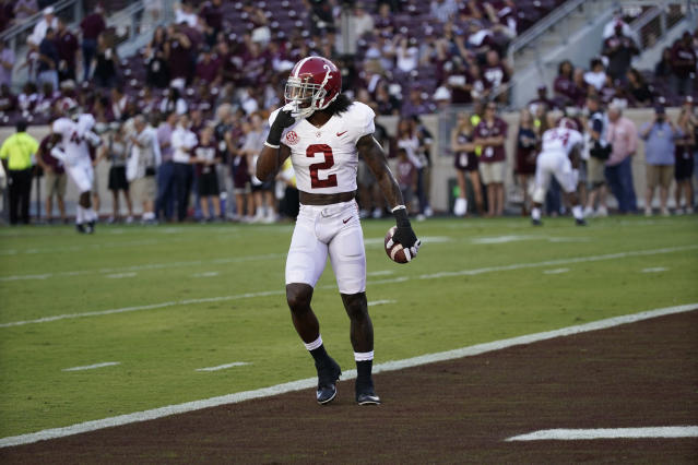 "Alabama defensive back <a class=""link rapid-noclick-resp"" href=""/ncaaf/players/256503/"" data-ylk=""slk:Tony Brown"">Tony Brown</a> (2) warms up before an NCAA college football game against Texas A&M Saturday, Oct. 7, 2017, in College Station, Texas. (AP Photo/David J. Phillip)"