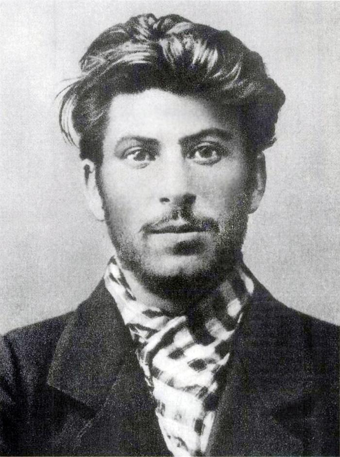 <p>Stalin en 1902 (Creative Commons). </p>