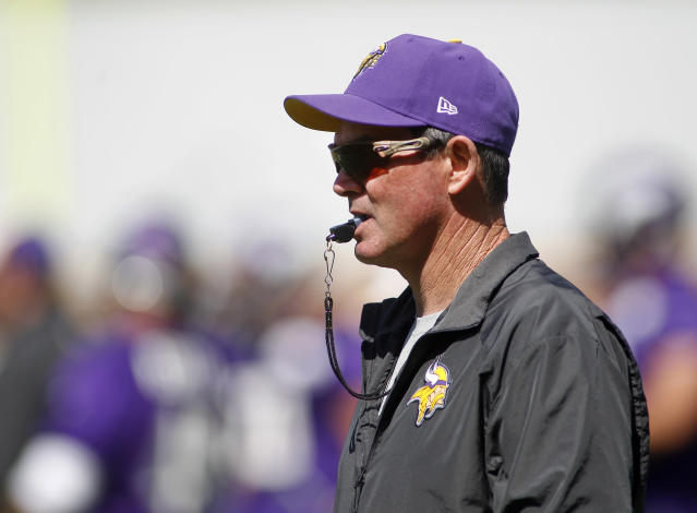 Minnesota Vikings head coach Mike Zimmer watches at an NFL organized team activity at the Vikings football practice facility in Eden Prairie, Minn., Thursday, May 29, 2014.(AP Photo/Andy Clayton-King)