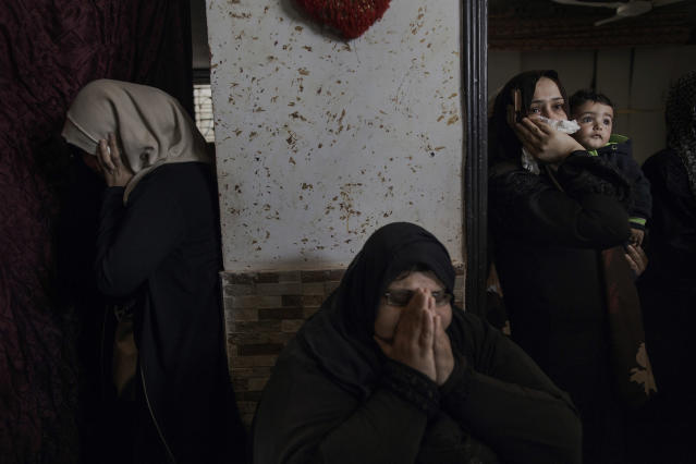 <p>Relatives of Islam Herzallah mourn his death at his home in Gaza City on April 14, 2018. The 28-years-old man had been killed by an Israeli sniper during the Friday protest along the Gaza Strip's border with Israel. (Photo: Fabio Bucciarelli for Yahoo News) </p>