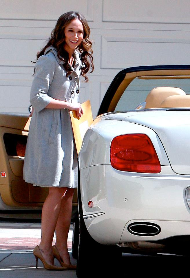 """With """"Ghost Whisperer"""" continuing to generate surprisingly large ratings for CBS, the star of the show -- Jennifer Love Hewitt -- recently treated herself to a shiny new $215,000 Bentley Continental GTC. Must be nice. <a href=""""http://www.x17online.com"""" target=""""new"""">X17 Online</a> - March 13, 2009"""