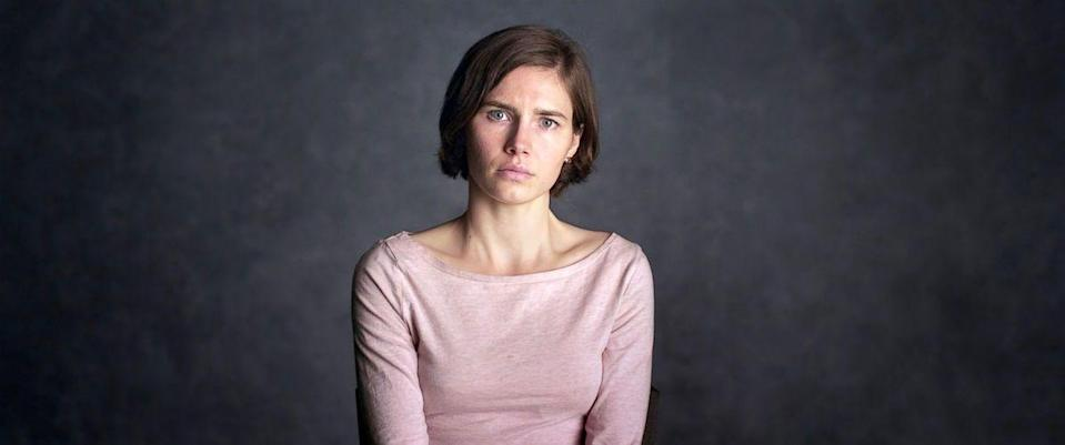"<p>The woman at the center of one of the most gripping international true crime stories in recent memory, Amanda Knox tells her story—of her murdered roommate, her arrest and conviction of the crime, her time in an Italian prison, and ultimate exoneration. </p><p><a class=""link rapid-noclick-resp"" href=""https://www.netflix.com/watch/80081155?trackId=13752289&tctx=0%2C0%2Cbe2b348c-3ade-4fa9-9d85-b75bd0308b0d-59158649%2C%2C"" rel=""nofollow noopener"" target=""_blank"" data-ylk=""slk:Watch Now"">Watch Now</a></p>"