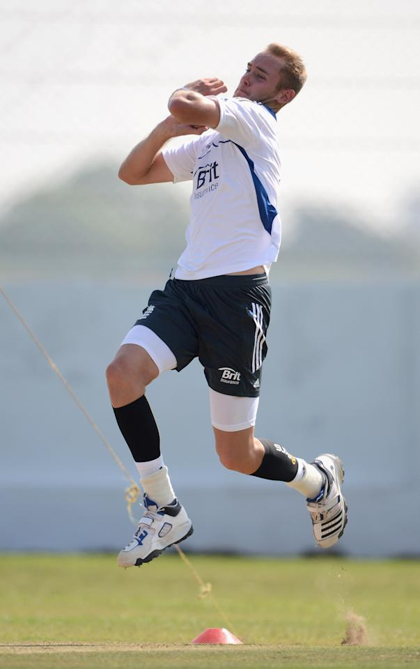 AHMEDABAD, INDIA - NOVEMBER 11:  Stuart Broad of England bowls in the nets during day four of the tour match between England and Haryana at Sardar Patel Stadium ground B on November 11, 2012 in Ahmedabad, India.  (Photo by Gareth Copley/Getty Images)