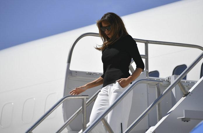 Melania Trump in Arizona migrant shelter, protesters ran and chanted