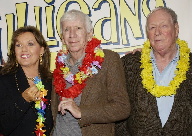 """FILE PHOTO: CAST MEMBERS IN """"GILLIGAN'S ISLAND"""" POSE AT DVD LAUNCH PARTY IN MARINA DEL REY."""