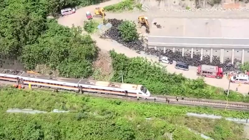Train derails in a tunnel near Hualien