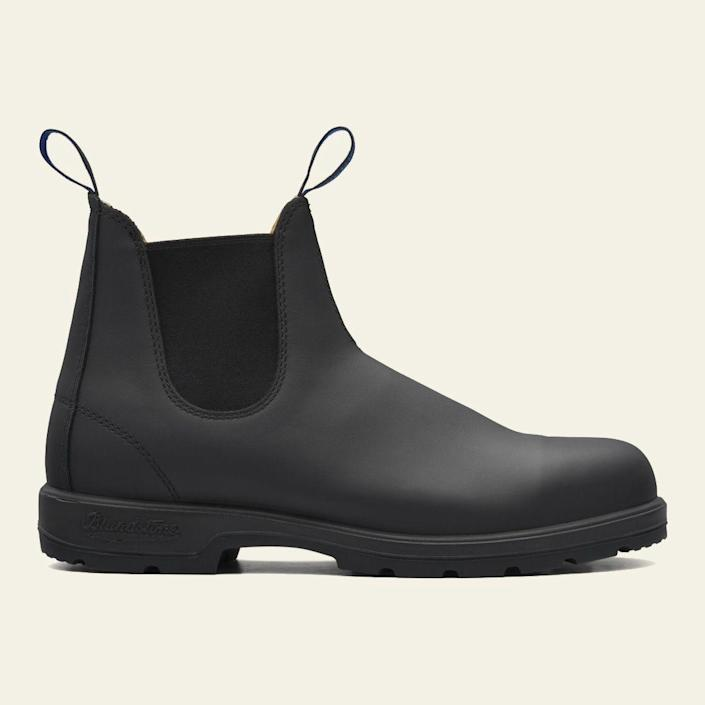 """<p>blundstone.com</p><p><strong>$229.95</strong></p><p><a href=""""https://www.blundstone.com/black-premium-waterproof-leather-chelsea-boots-mens-style-566"""" rel=""""nofollow noopener"""" target=""""_blank"""" data-ylk=""""slk:BUY IT HERE"""" class=""""link rapid-noclick-resp"""">BUY IT HERE</a></p><p>Blundstone's Thermal Chelsea boots are made for looking fashionable even in the cold and wet weather. The brand's shoes come with Thinsulate insulation to keep your feet warm along with a removable sheepskin footbed. And while they're designed for colder temperatures, these leather boots may require extra care for upkeep.</p>"""