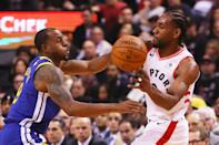 Kawhi Leonard #2 of the Toronto Raptors is defended by Andre Iguodala #9 of the Golden State Warriors in the second quarter during Game One of the 2019 NBA Finals at Scotiabank Arena on May 30, 2019 in Toronto, Canada. (Photo by Gregory Shamus/Getty Images)