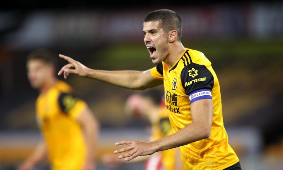 Conor Coady talks his Wolves teammates through every move at astonishing volume.
