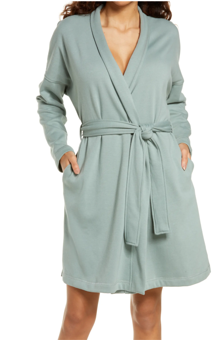 """<h2>Ugg Braelyn II Robe</h2><br>This blanket-like robe from Ugg is made from stretchy cotton fleece, features a relaxed cut, pockets, and comes in five calming colors. According to one review, it's """"the softest thing you'll ever own.""""<br><br><br><br><strong>Ugg</strong> Braelyn II Robe, $, available at <a href=""""https://go.skimresources.com/?id=30283X879131&url=https%3A%2F%2Fwww.nordstrom.com%2Fs%2Fugg-braelyn-ii-robe%2F5491762"""" rel=""""nofollow noopener"""" target=""""_blank"""" data-ylk=""""slk:Nordstrom"""" class=""""link rapid-noclick-resp"""">Nordstrom</a>"""
