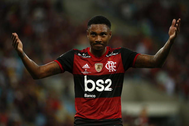 RIO DE JANEIRO, BRAZIL - FEBRUARY 26: Gerson of Flamengo celebrates after scoring the second goal of his team during the second leg match between Flamengo and Independiente del Valle as part of Recopa Sudamericana 2020 at Maracana Stadium on February 26, 2020 in Rio de Janeiro, Brazil. (Photo by Bruna Prado/Getty Images)