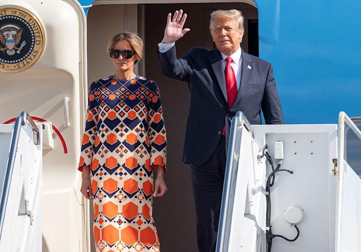 <p>Hours later, the outgoing president and his wife — in a different, brighter ensemble — touched down near his private Mar-a-Lago Club in Palm Beach, Florida. </p>