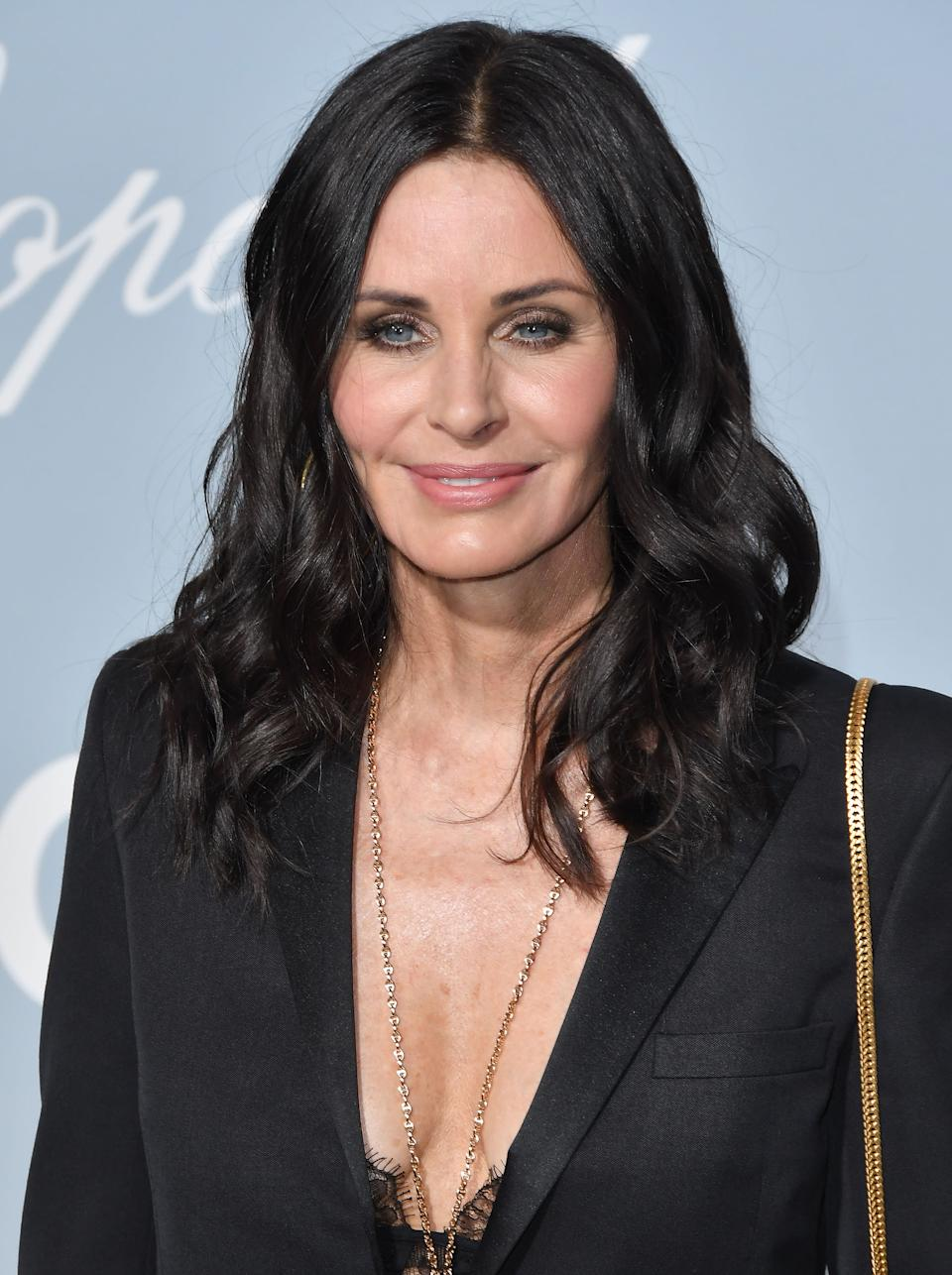 Courteney Cox arrives at the UCLA IoES 2019 Hollywood For Science Gala held at the Private Estate of Jeanne & Tony Pritzker in Los Angeles, CA on Thursday, February 21, 2019. (Photo By Sthanlee B. Mirador/Sipa USA)