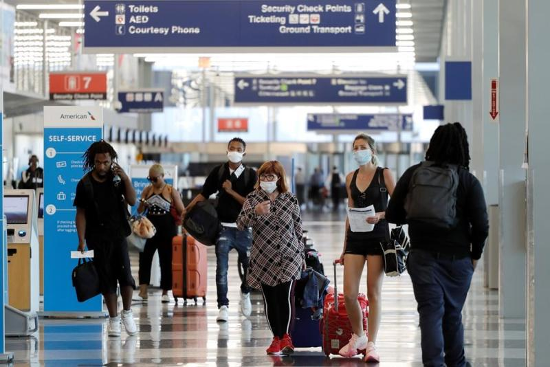 US issues guidelines but no new rules for safe air travel