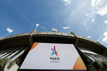 The logo of the Paris candidacy for the 2024 Olympic and Paralympic Games is displayed on a screen at the Court One at Stade Roland Garros tennis venue complex during the press tour of the International Olympic Committee Evaluation Commission, in Paris, 15 May 2017.   REUTERS/Gonzalo Fuentes