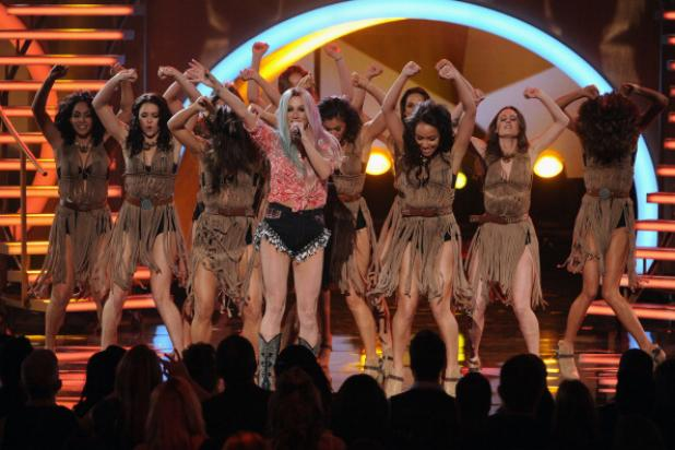 10 Things You Didn't See on the American Music Awards Broadcast
