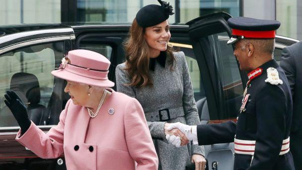 PHOTO: Britain's Queen Elizabeth and Catherine, Duchess of Cambridge arrive to open Bush House at King's College London, March 19, 2019. (Simon Dawson/Reuters)
