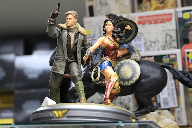 <p>Statues of Wonder Woman and Steve Trevor at the Midtown Comics in New York City. (Gordon Donovan/Yahoo News) </p>