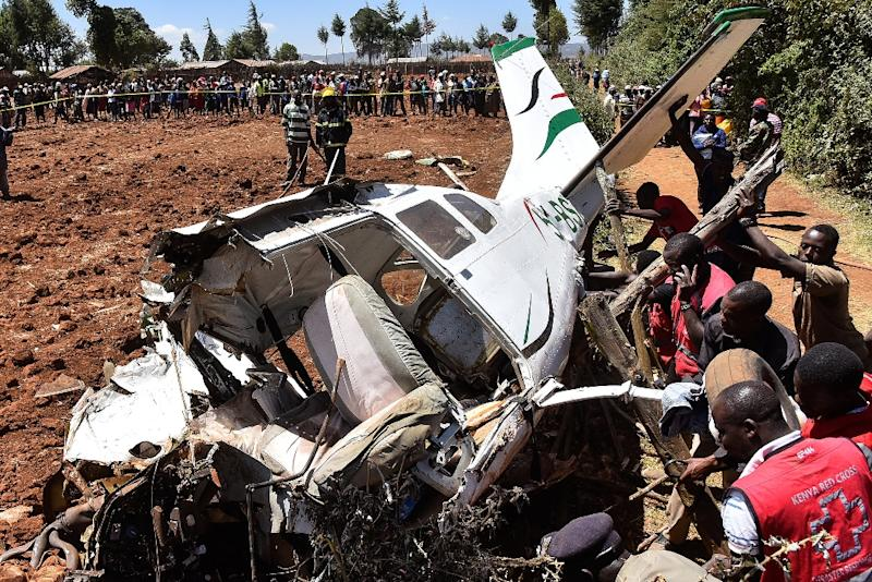 5 killed as light aircraft crashes in Kenya