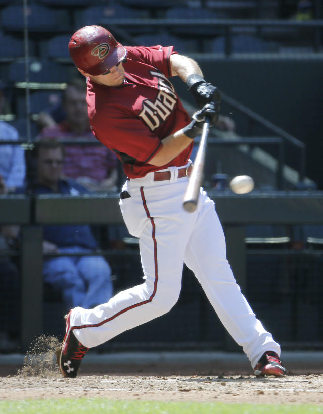 Arizona Diamondbacks' Chris Owings hits against the Chicago Cubs during the third inning of an exhibition spring training baseball game, Saturday, March 29, 2014, in Phoenix. (AP Photo/Matt York)