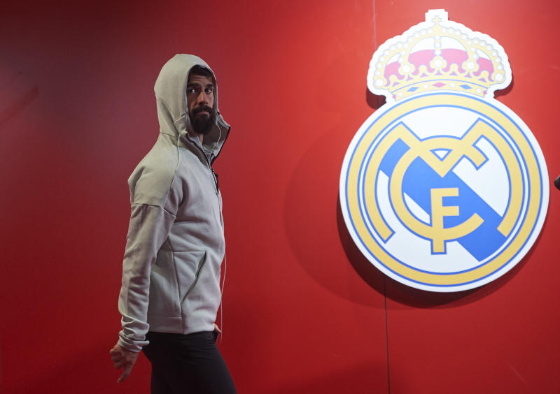 EIBAR, SPAIN - NOVEMBER 09: Isco Alarcon of Real Madrid CF arrives at the stadium ahead of the Liga match between SD Eibar SAD and Real Madrid CF at Ipurua Municipal Stadium on November 09, 2019 in Eibar, Spain. (Photo by Juan Manuel Serrano Arce/Getty Images)